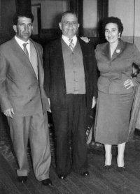 Paolo Quagliata (center), Ignazio Quagliata & wife Giuseppina  c.1940